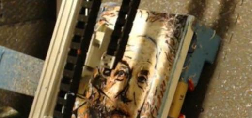 bitPrintr — система искусственного интеллекта, способная рисовать картины и портреты при помощи кистей, красок и холста
