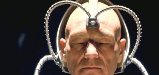 Американский инженер собрал шлем, который буквально позволяет управлять направлением движения людей.