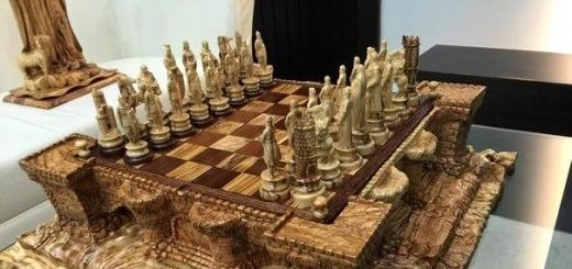 Нереальные резные шахматы.
